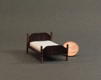 Quarter Inch Scale Furniture - Colonial Bed