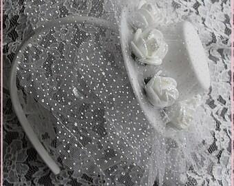 White Mini top hat headband, Roses mini hat headband, Little girl headband, White headband, White flower girl headband , hair accessory