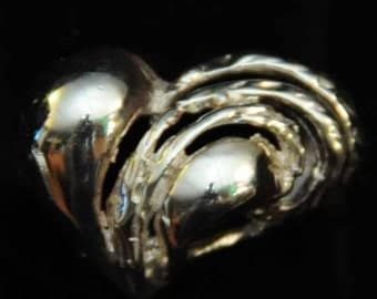 The Heart Drips Ring