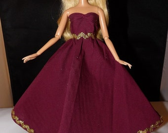 Wine colored formal dress with gold trim for Fashion Dolls - ed758