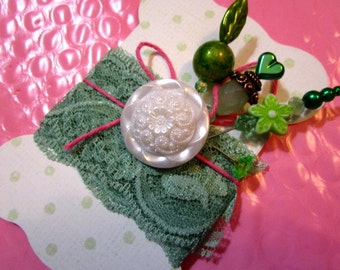ONE (1) Great Gift, Stick, Corsage, Hat, Party, Trinket Decorated Sewing PINS, BUTTON, Shabby Chic Fabric Printed Tags/Cards - Fabulous