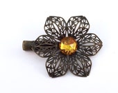 Leila Flower Clip in Gold