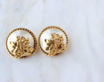 90s - Dominique Aurientis - Pearl - Floral - Grape Vine - Button -Gold - Clip - Earrings