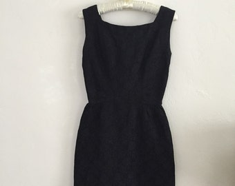 StuNNiNg HaNdMaDe 1950s vintage black brocade dress xs