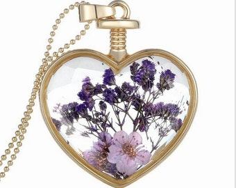 2pcs  Gold Color  Circle PhotoLocket Pendant with Pressed Dry Flower
