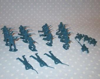 Plastic Civil War Soldiers Blue 21 pcs LOT of MPC Vintage