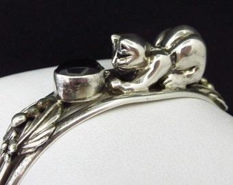 """Vintage Signed WC Southwest Sterling Silver Black Onyx Cat Bangle Bracelet-7"""""""