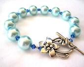 Robin's Egg Blue Bracelet - Glass Pearl Bracelet - Beaded Bracelet - Swarovski Crystal - Pearl Bracelet - Beaded Jewelry