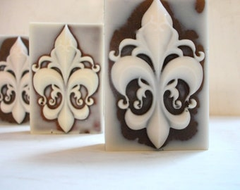 3 Fleur De Lis SOAP, Set of 3, Fleur De Lis Guest Soap Mini Bars, Scented in French Vanilla or French Lavender, Wedding Favors