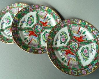 3 Dinner Plates HAND PAINTED PORCELAIN Japanese Geisha Girl Pattern Mint Condition