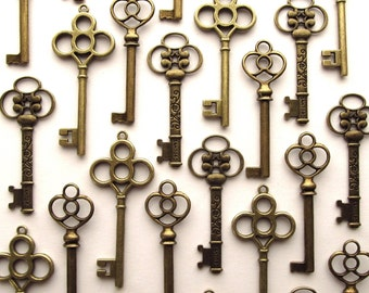 The Randall Collection - 30 Skeleton Keys in Antique Bronze - Perfect for Wedding Escort Cards and More