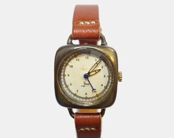Vintage Retro Handcraft Woman Wrist Watch with Leather Strap ///  LogRb - Perfect Gift for Birthday, Anniversary