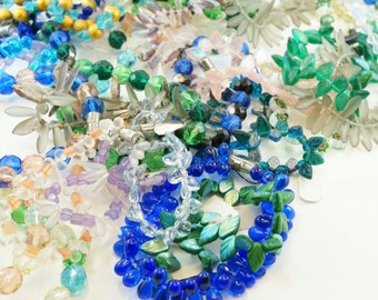 vintage CZECH Glass Beads. Glass Bead Lot. Bulk Beads. wholesale beads. Craft Supply No.0020 hs