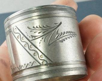 1800s Butterfly NAPKIN ring. Victorian silver plate Napkin Ring. flowers No.002092