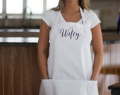 Bridal Shower gift idea personalized apron with pockets. Bride apron Newlywed gift idea. New Mrs. gift. Custom apron, Bridesmaid gift idea