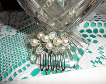 Authentic Vintage Crystal Faux Pearl Silver Hair Comb