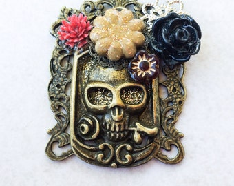 Frida Flower Skull Necklace, Calavera Assemblage Statement Necklace, Mexican Day of the Dead Necklace