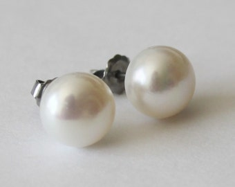 Large 9-10mm Real pearl earrings, Pearl stud earrings, Bridesmaids earrings, Bridesmaid jewelry,  Bridesmaid gift, Bridal earrings gift
