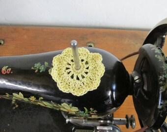 Spool Pin Doily (Pale Yellow)