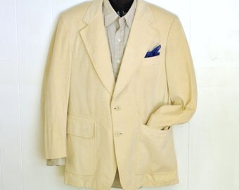 Men's Jacket Sport Coat 43R 44R Vintage Cream Light Beige Blazer Faux Suede Retro Menswear 1970's Wide Lapel Padded Shoulders Overstitch