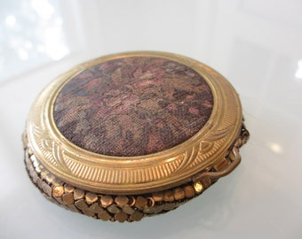 Vintage Tapestry Compact