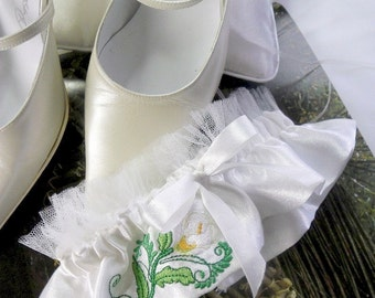 Curtly Calla Lilly Embroiidered Bridal Garter