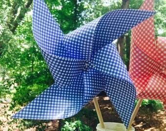 12 Gingham Spinning Pinwheels
