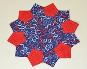 Patriotic Table Topper - 4th of July Streamers Table Mat  - Americana Dresden Plate Candle Mat - Hand Quilted Holiday Home Decor - TOSCOFG