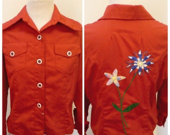 Vintage 1970s Women's Red Embroidered Flower Shirt - M/L