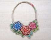 Textile Necklace - Embroidery - Colar Bordado - Embroidered necklace - flowers