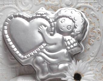 1982 Wilton Valentines Cupid Cake Pan