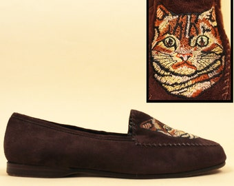 80s rare Vtg Embroidered TABBY Cat Genuine All Leather NUBUCK Slip On Loafer Flats / Cocoa Brown Shoes Made in Italy / 9.5 10 Eu 41 42