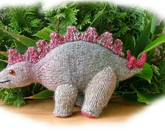 STIGGY the STEGOSAURUS dinosaur knitting pattern by Georgina Manvell pdf download