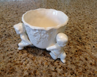 Lefton Cherub dish porceline figurine with 3 cherubs