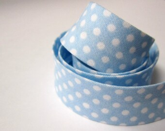 3.25yds / 3m - 18mm patterned bias binding - small white polkadot on pale sky baby blue