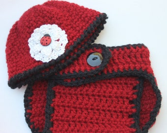 Lady Bug hat and diaper set Newborn size with white flowers Crochet