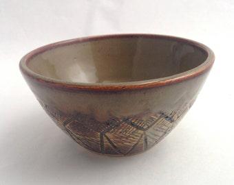 Brown Rustic Line Bowl