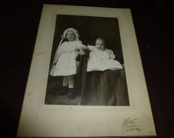 Photo Vintage Cabinet Card Siblings Pretty Dresses and Cute Hat