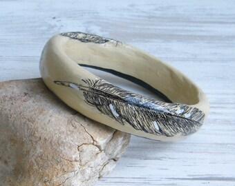 Bangle bracelet / Black and white feathers print / Upcycled Paper Mache Bracelet  / Feather bracelet
