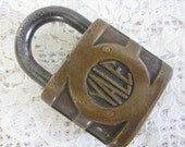 Vintage Yale Lock, heavy duty brass pad lock, robot supplies, DIY metal art, altered art supply, junk art supplies, Yale & Towne Mfg., 41sp