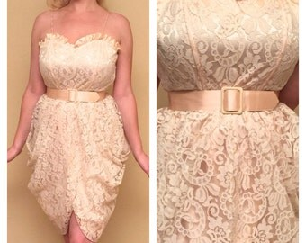 80s Lace Party Dress 1980s Madonna Style Sweetheart Bust - Peach Pink Lace with Matching Belt - Above the Knee Size XS Small