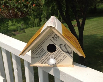 """The """"Book of Great Cookies"""" Birdhouse"""