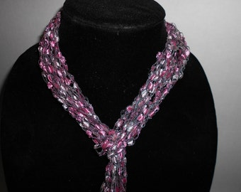 Pink Trellis Yarn Scarf