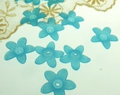 30  frosted lucite Acrylic Beads caps Dyed,  5 point star flower, aqua color,