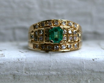 Lovely Vintage 18K Yellow Gold Diamond and Emerald Engagement Ring - 0.96ct.