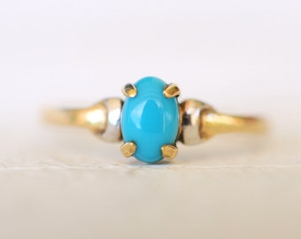 SALE- 1980's vintage . 9k yellow gold and white gold accent TURQUOISE ring / Minimalist Simple jewelry