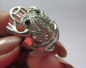 Vintage Jewelry frog Ring Adjustable silver toned rhinestone eyes and back no markings