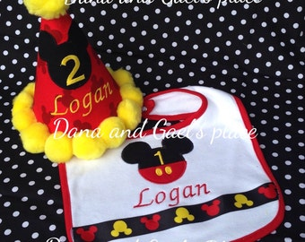 New Mickey mouse birthday hat and bib FREE PERZONALIZE
