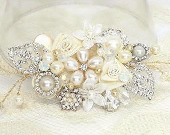 Off white Bridal Comb- Rhinestone and Pearl Hair Comb- Bridal Hair accessory- Rhinestone Hair Piece- Pearl Bridal Comb- Floral Bridal Comb