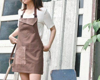 Brown canvas utility apron/Brown sturdy apron/Brown unisex apron/sturdy & skinny apron/chef apron/cafe apron/custom made apron/simply apron